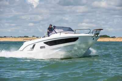Beneteau Power Flyer 9 SUNdeck
